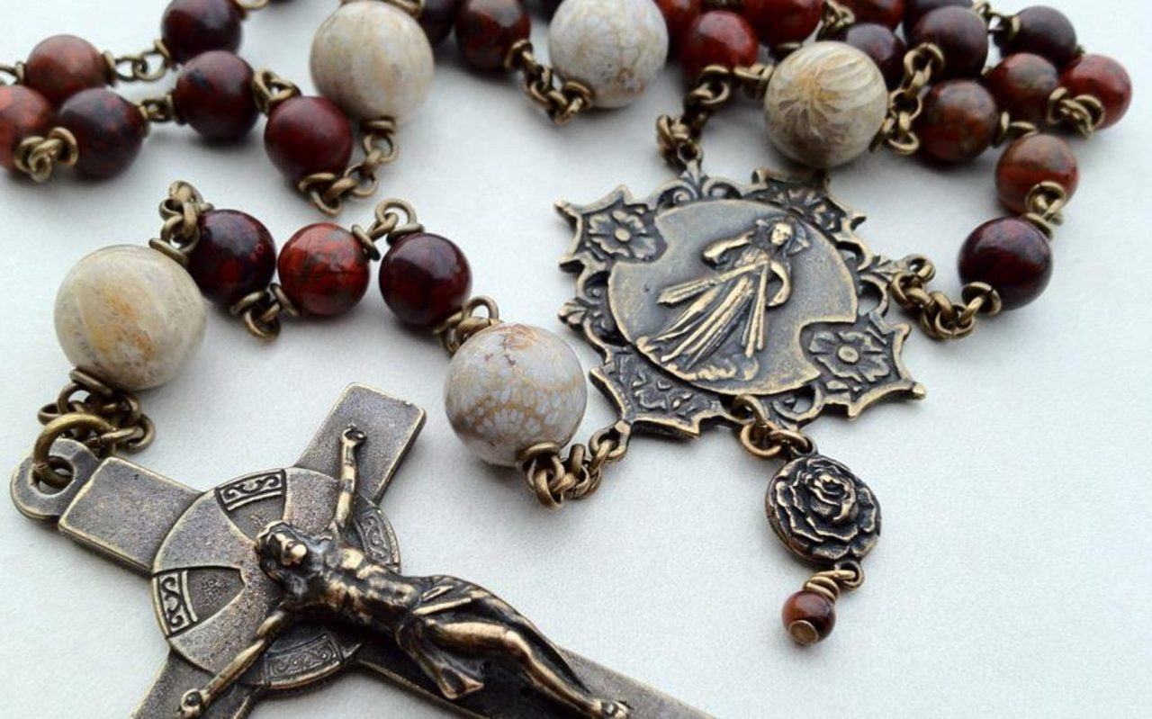 MOST AMAZING FACTS ABOUT THE ROSARY YOU DIDN'T KNOW
