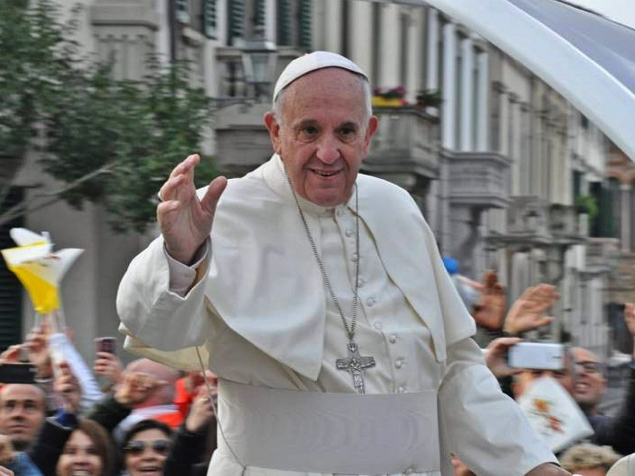 Pope Francis: 'We Like the Magi Should Look Up, So We Can See The Star'