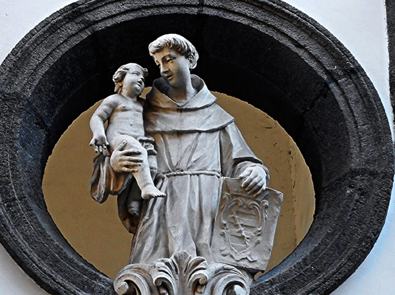 Is it Idolatrous to pray to St. Anthony?
